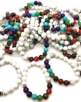 REF500A – BR. PIERRE perles 10mm – 7 CHAKRAS et HOWLITE BLANCHE.